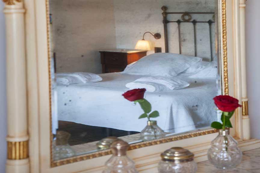 Detail at the suite Segre. Hotel Lo Palauet